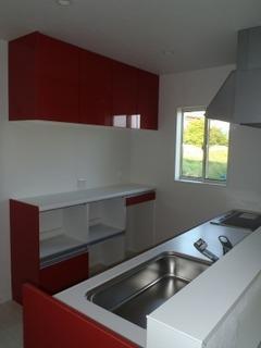 s-アクセントに使った赤色のキッチン.jpg